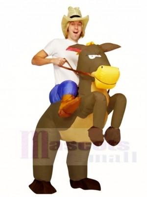 Montar en caballo marrón Traje inflable